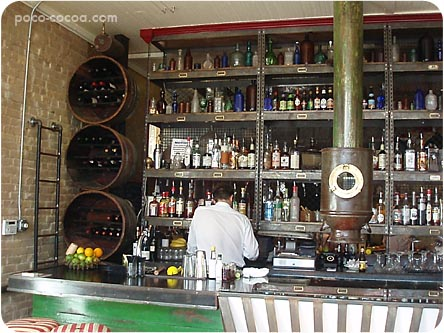 showroom-bar